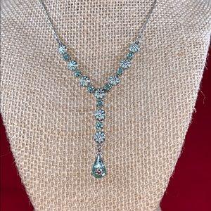 Vintage Avon Blue Flower Y Necklace